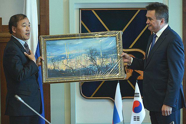 Картина будет напоминать господину Ли Ян Гу о России.
