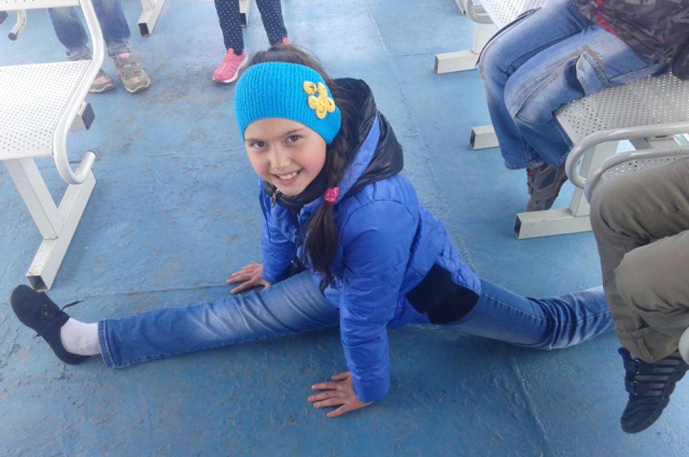 Участник №34. Рахманбердиева Камила: Я – здоровая и счастливая! Пусть на ваших лицах будут только счастливые улыбки!