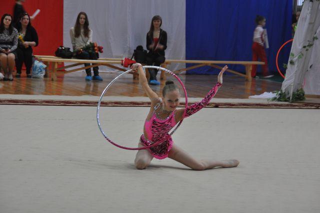 Омские гимнастки на соревнованиях.