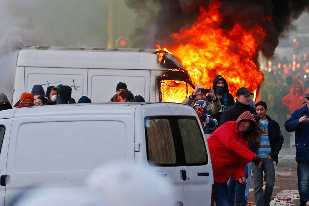 По сведениям полиции, участие в массовом протесте в Брюсселе приняло около 100 тысяч человек. Со стороны организаторов упоминалось о 130 тысячах протестующих.