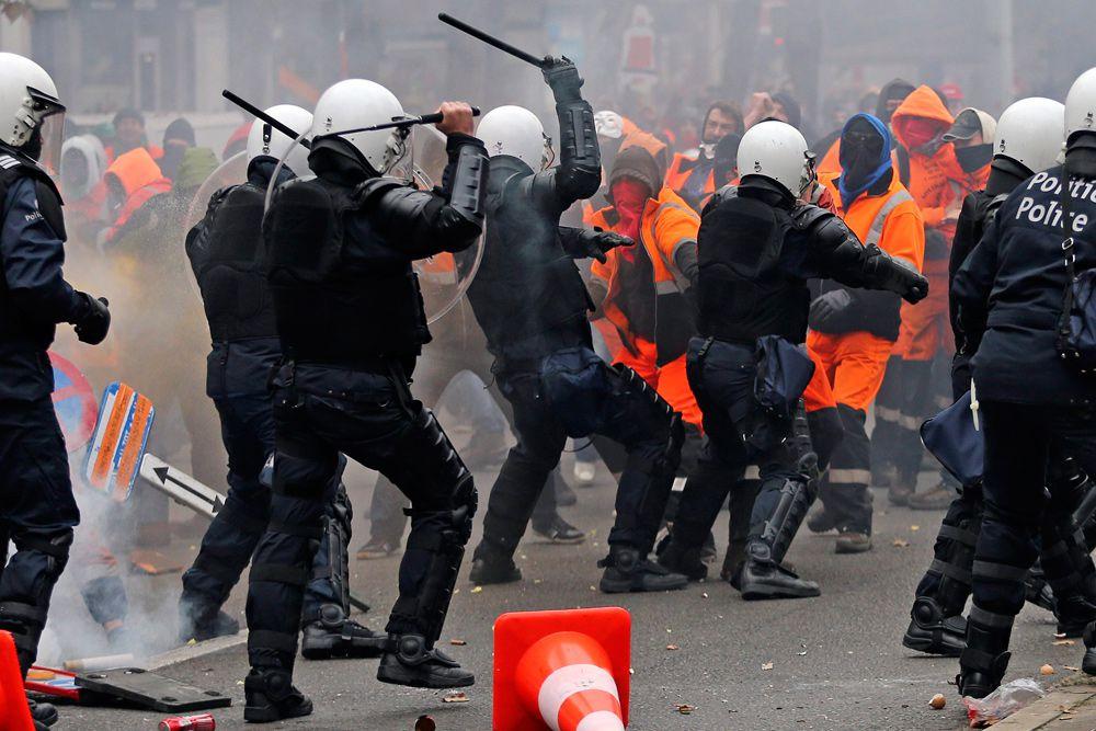 В федеральном правительстве Бельгии уже заявили, что примут представителей демонстрантов, чтобы выслушать их требования.