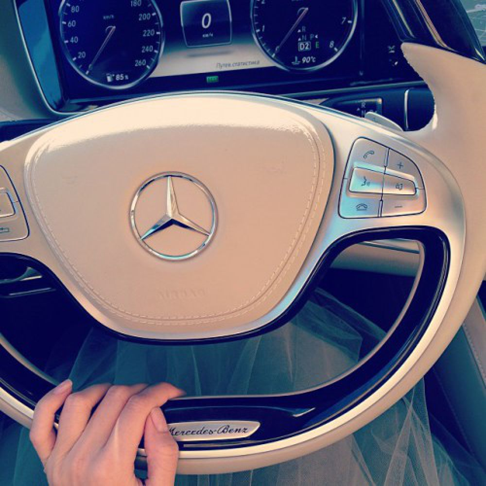 Mercedes Benz (модель S 500 (W222) Веры Брежневой