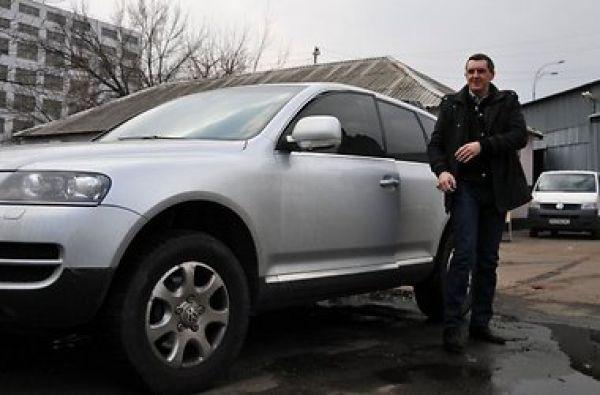 Дядя Жора рассекает на Volkswagen Touareg