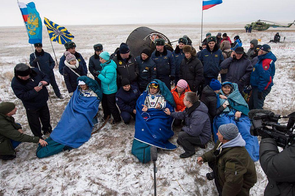 Космонавт европейского космического агентства Александр Герст, российский космонавт Максим Сураев и астронавт НАСА Рид Вайзман.