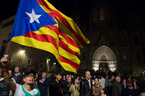 Настроения каталонцев испанским политикам известны очень хорошо. Власти Испании отлично понимали, что, получив возможность стать независимыми, каталонцы ей наверняка воспользуются.
