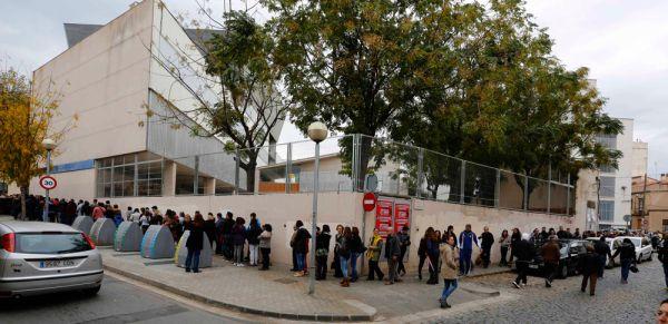 Политики в Мадриде настаивают: вопрос о независимости Каталонии может решаться только на общеиспанском референдуме. Учитывая, что население Каталонии составляет только 16 % от общего населения Испании, шансов на успех в таком формате у сторонников независимости нет. Поэтому они упорно продолжают требовать проведения «правильного» референдума.
