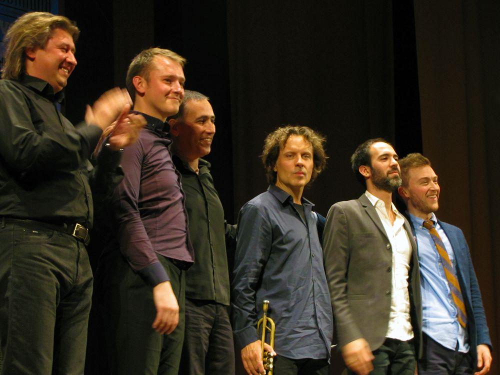 В конце концерта дуэт Михаила Цыганова и Александра Сипягина и коллектив «World Trio» сыграли вместе