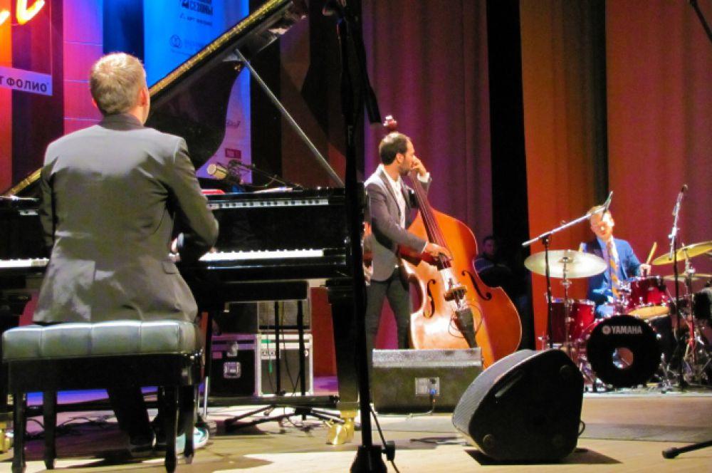 Выступление «World Trio» очень понравилось воронежской публике