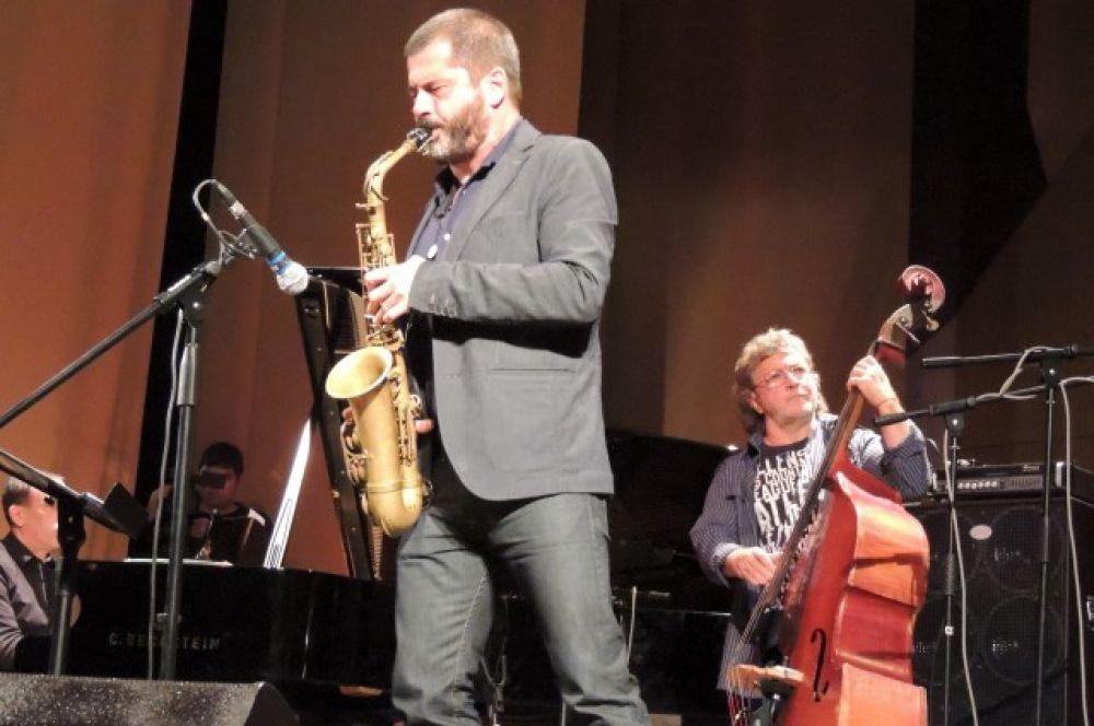 Зрители были поражены великолепной игрой Росарио Джулиани, который по праву считается одним из лучших джазовых саксофонистов мира