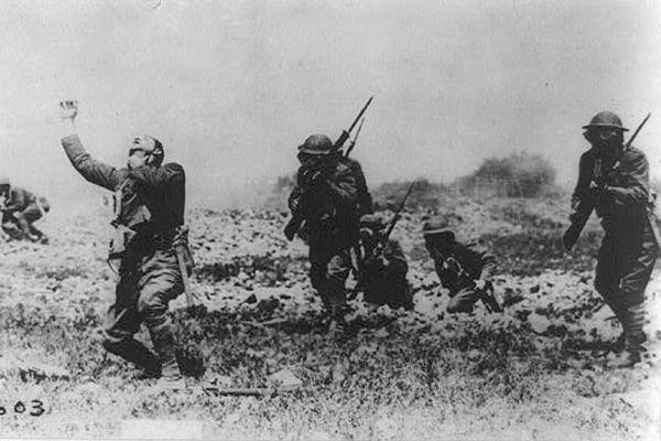 Именно во время Первой мировой впервые применили химическое оружие в виде смертельных ядовитых газов.