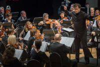 Cимфонический оркестр Приморского театра оперы и балета под управлением Антона Лубченко.