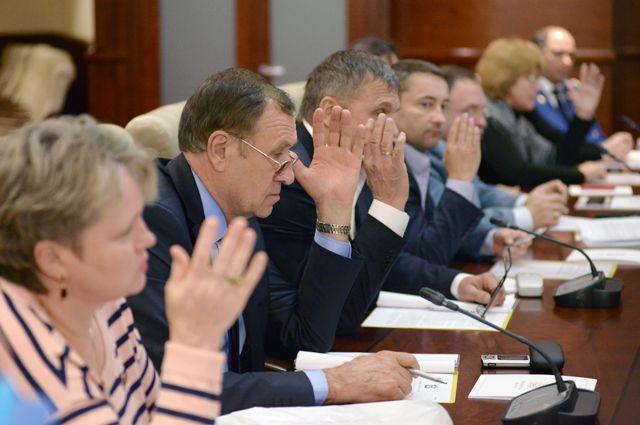 15 из 19 депутатов проголосовали за отставку главы района.