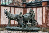 Так выглядели в Казани водовозки. Памятник водовозу в Казани