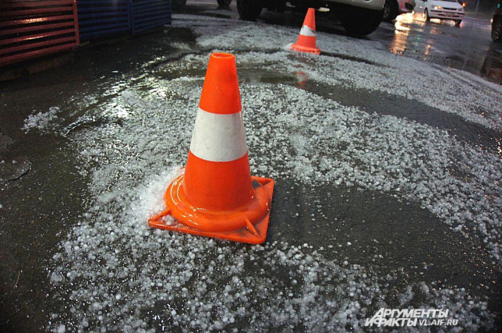 Град добавил проблем автолюбителям.