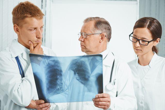Почему заболеваешь пневмонией