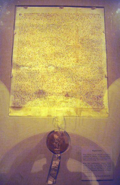 Копия Великой хартии вольностей 1297 года была продана за  $21,321 млн. Это Самый дорогой в мире документ. Одна из двух десятков копий важнейшего документа Великобритании была продана 18 декабря 2007 года на аукционе Sotheby's в Нью-Йорке. Датированный 1297 годом экземпляр (документ с 1984 года принадлежал фонду техасского миллиардера Росса Перо и хранился на правах аренды в Национальном архиве США в Валингтоне) подписан королем Эдуардом I, и считается, что именно эта копия была положена в основу британского законодательства, установившего в стране парламентскую систему правления.