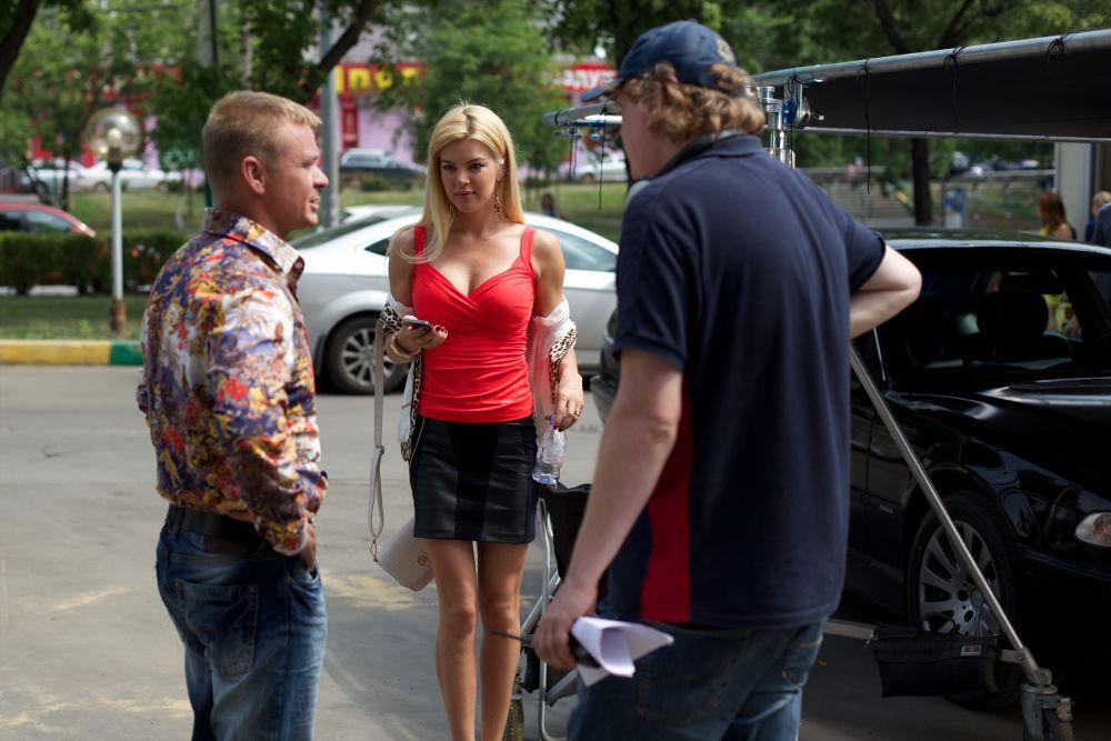 Автор и продюсер сериала Антон Щукин признаётся, что сценарий второго сезона дался гораздо тяжелее, потому что персонажи, созданные в прошлых сериях, уже живут собственной жизнью, и уже не так просто с ними управляться.