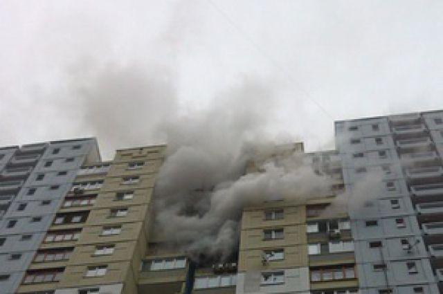 В Киеве произошел масштабный пожар в 22-этажном жилом доме