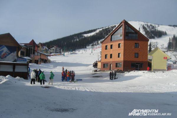 Здесь можно не только кататься на лыжах. В Шерегеш можно приехать с семьей и друзьями, чтобы просто отдохнуть от городской суеты.