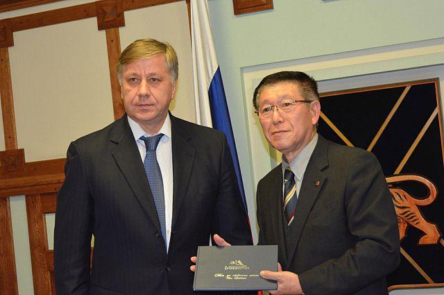 Вице-губернатор Василий Усольцев и губернатор японской префектуры Акита Сатакэ Норихиса.