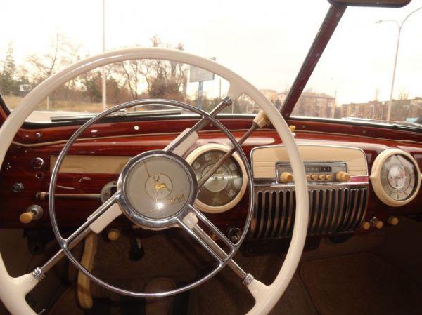Выставка ретро-авто в Мариуполе