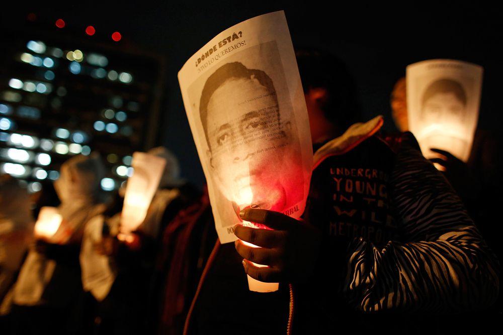 Власти также заявили о задержании лидера картеля Guerreros Unidos Сидронио Касаррубиаса Сальгадо, ответственного, как полагает следствие, за исчезновение 43 студентов.