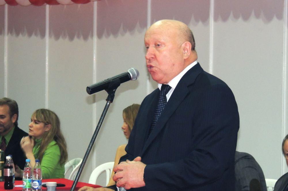 Губернатор Валерий Шанцев пожелал удачи всем участникам дефиле.