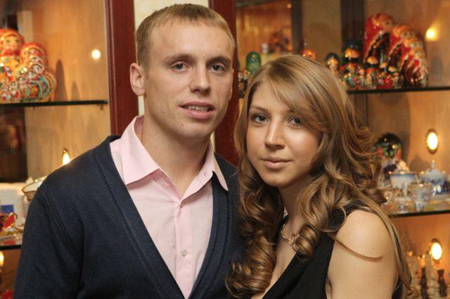 Футболист Денис Глушаков с супругой Дарьей.