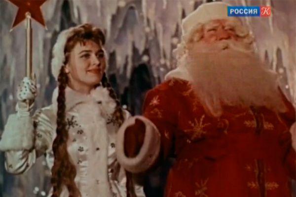 О Сергее Ивановиче Преображенском известно не так много. А ведь именно благодаря ему Дед Мороз стал тем, кем он является теперь. Преображенский был главным Дедом Морозом на протяжении 18 лет.
