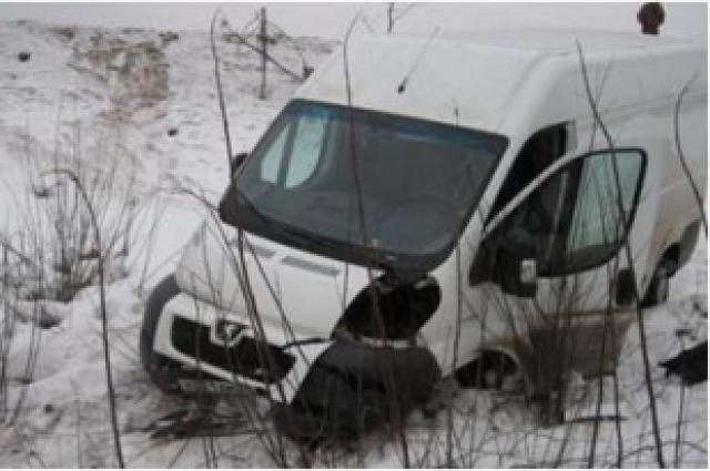 Виновником ДТП стал водитель микроавтобуса Peugeot Boxer.
