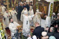 Патриарх Московский и всея Руси Кирилл сам освятил новый храм Преподобного Сергия Радонежского.