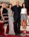 Вин Дизель, исполнитель главных ролей в кинофраншизе «Форсаж» и лентах о Риддике, получил звезду на «Аллее славы» 26 августа 2013 года. Это произошло через 13 лет после дебюта в кино. Актёр, сценарист, режиссёр и продюсер Вин Дизель начинал карьеру на театральных подмостках, а первую эпизодическую роль сыграл в 1990 году. Через восемь лет Стивен Спилберг пригласил Дизеля в свой фильм«Спасти рядового Райана», который стал для актёра дебютом в большом кино. Настоящая слава пришла к Дизелю в 2000 году, когда он сыграл фантастического персонажа Риддика.