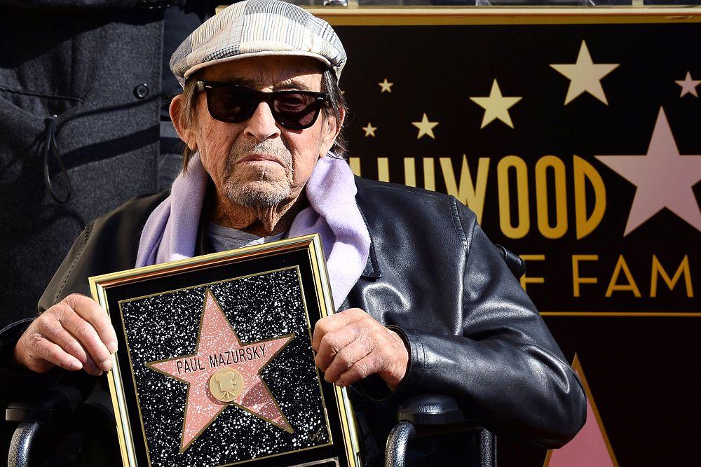 В декабре 2013 года именной звезды на «Аллее славы» в Голливуде удостоился Пол Мазурски. В 1953 году Пол дебютировал в картине Стэнли Кубрика «Страх и вожделение». Его первой успешной режиссерской работой стала лента «Боб и Кэрол, Тэд и Элис». Удачными вышли фильмы «Алекс в Стране чудес», «Незамужняя женщина» и «Влюбленный Блум». Мазурcки написал сценарии и срежиссировал почти все свои 17 фильмов, многие из которых носят автобиографический характер. Он также сыграл более чем в 60 документальных и художественных картинах.