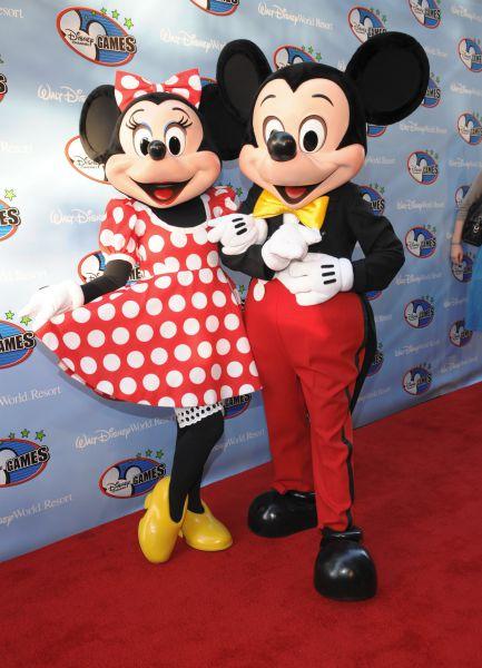 У мышонка Микки своя звезда на Аллее славы в Голливуде. Он стал первым мультипликационным персонажем, который получил такой почетный дар на «Фабрике грез»