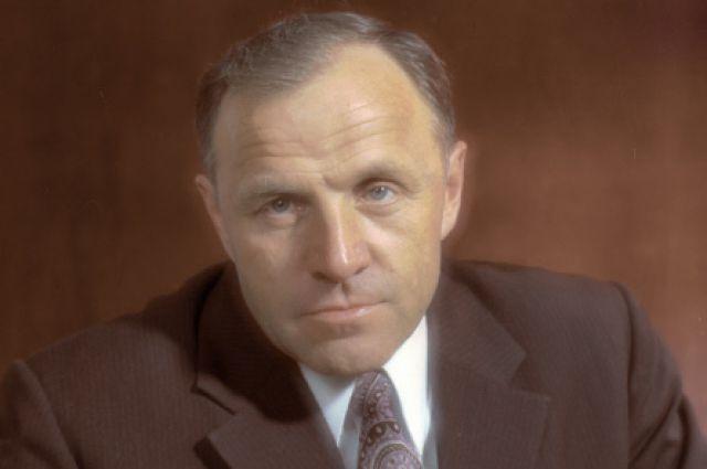 Михаил Ульянов (1980).