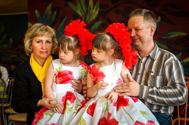 Наталья и Владимир Шипиловы уверены, что их дочки самые красивые.