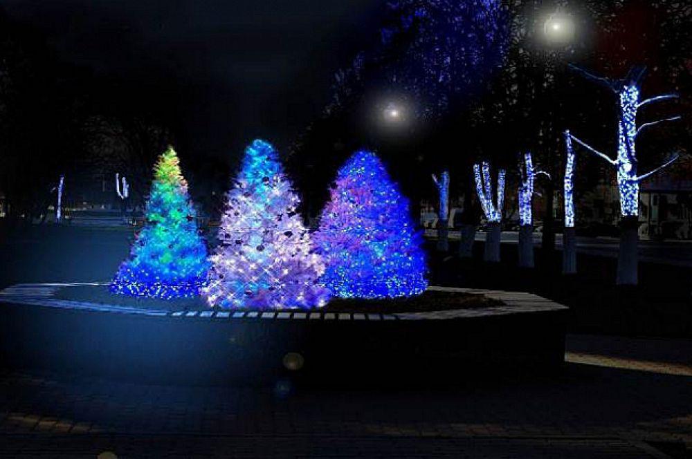 22 искусственные ёлки, а также восемь спиральных елей, украсят город к Новому году.