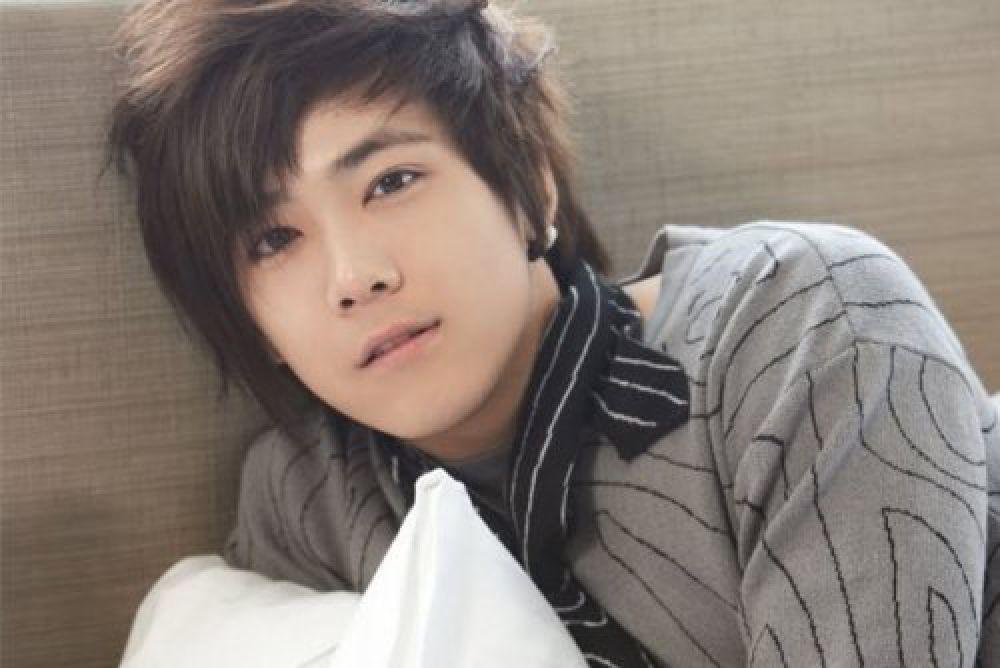 № 4 Ки Хонг Ли - южнокорейский актер, продюсер, сценарист