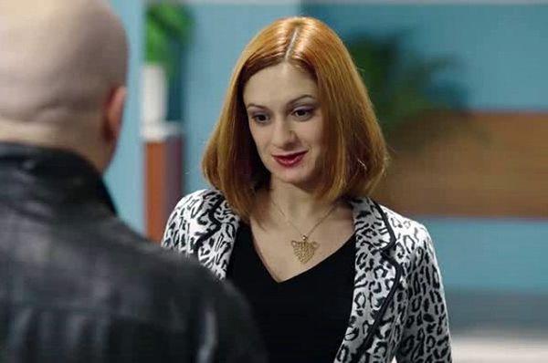 Карина Мишулина – учительница биологии Светлана. Подруга Татьяны, сразу же положила глаз на видного мужчину Фому. В первом сезоне у героев завязывается роман, от которого у Фомы одни проблемы.