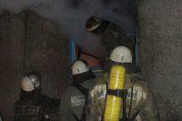 Пожарные справились с огнем в доме за час.