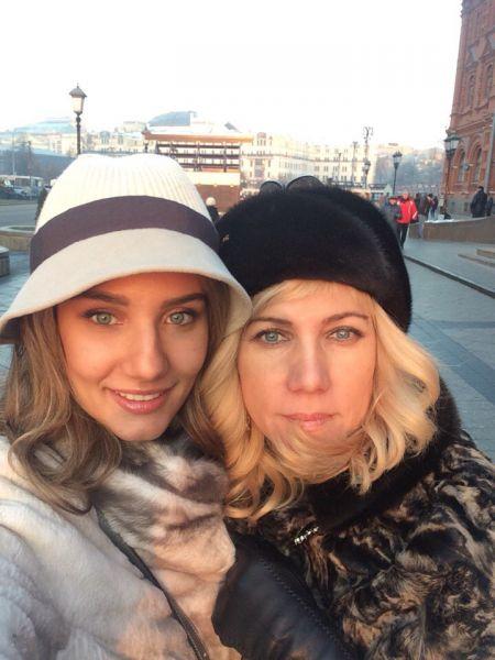 После конкурса Олеся с мамой и тетей гуляли по Москве.