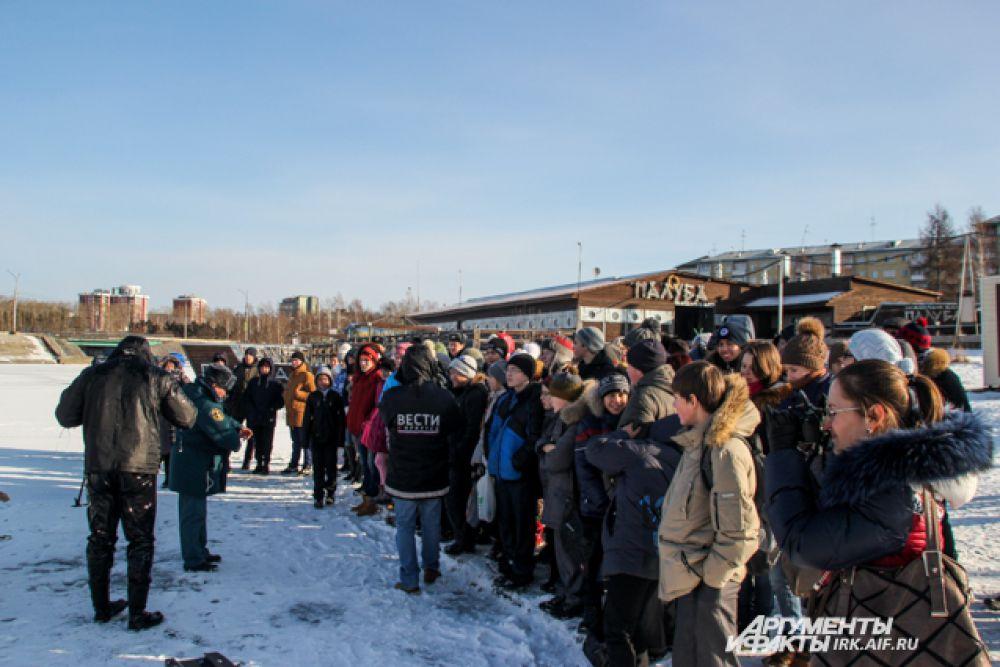 Провалившись под лед у человека есть максимум 10 минут, для того что бы выбраться из ледовой западни.