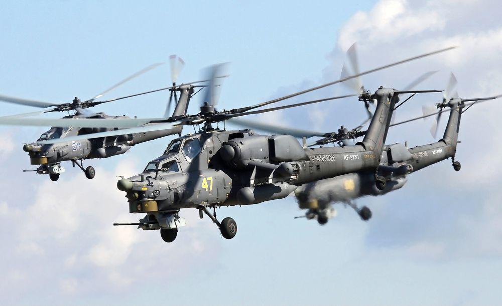 Ми-28 совершил первый полет в 1982 году, а вертолет Ми-28Н «Ночной охотник» в 1996 году. Таким образом, отчасти этот вертолет является уже российской, а не советской разработкой. Производство этих машин постоянно растет: в данный момент в строю 89 вертолетов.