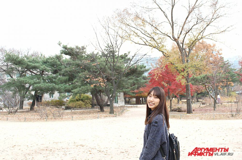 Природа и девушка - самый распространённый в Корее фотосюжет.