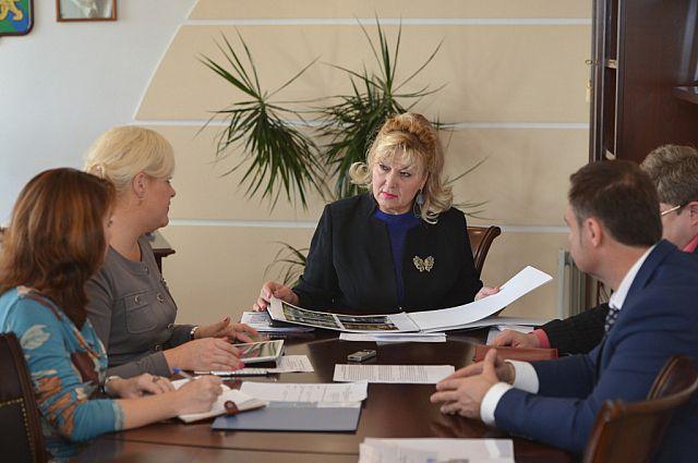Татьяна Заболотная проводит совещание по вопросу открытия центра-спутника Эрмитажа.