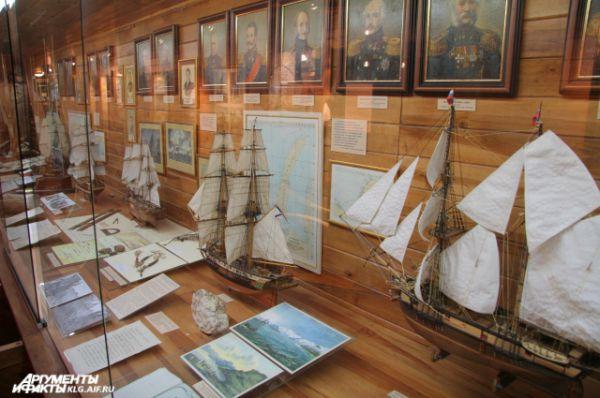 Сегодня внутренние каюты судна превратили в экспозиционные залы.