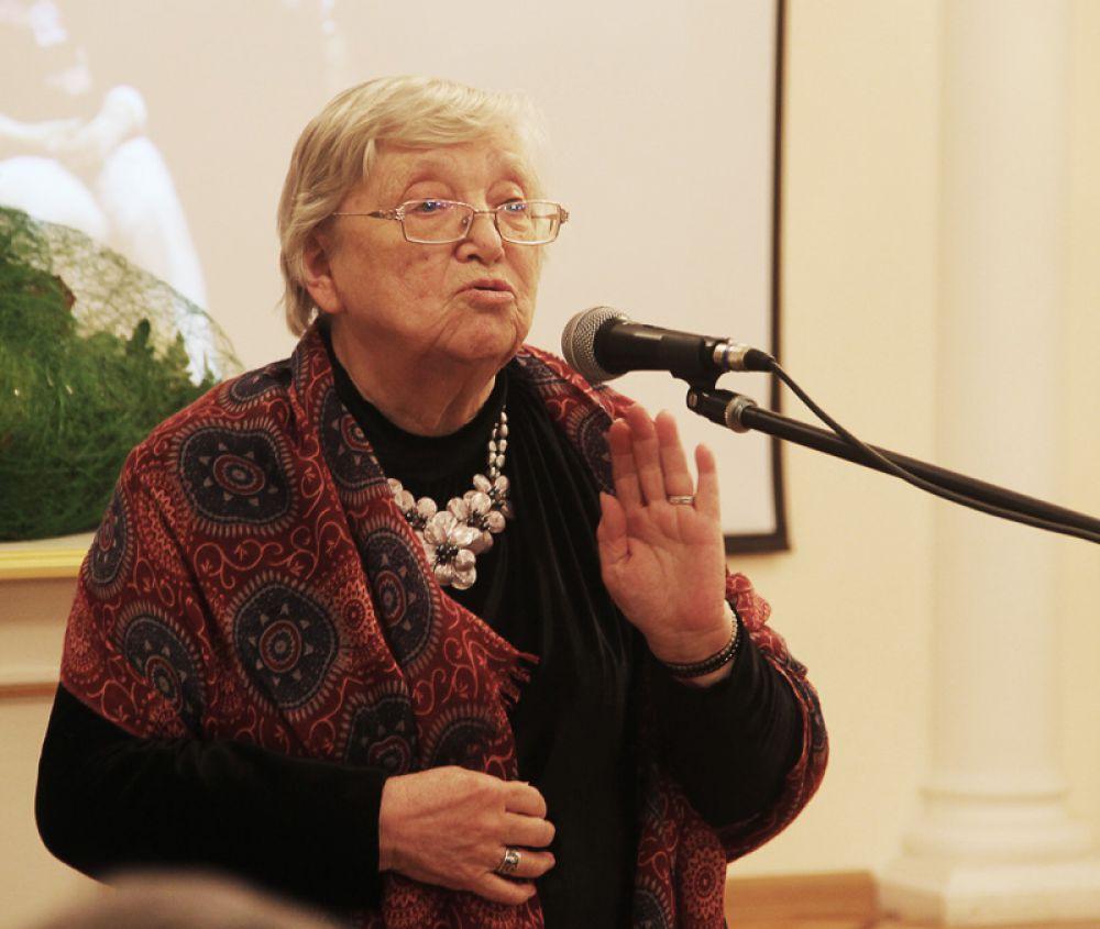 Роза Григорьевна – верная спутница мастера, его помощница и самый взыскательный критик