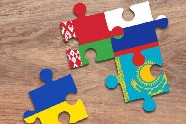 Флаги стран СНГ и Украины