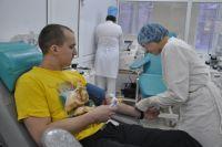 Более 30 тысяч человек в регионе сдают кровь ежегодно.