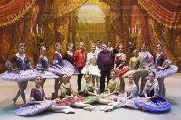 Участники Grand Pas из балета «Пахита».